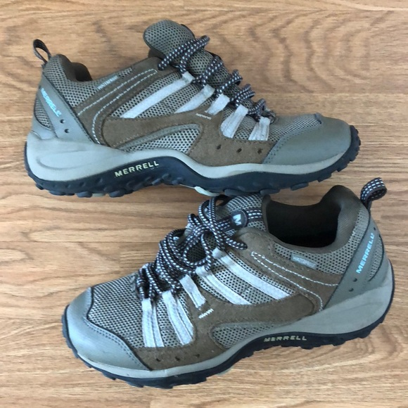 2e448dee ladies Merrell hiking shoes size 7